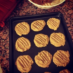 4-ingredient pb cookies