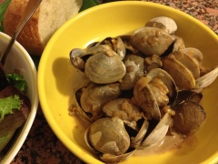 Goose Point steamers in stout-cream sauce