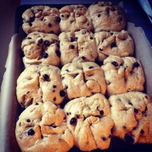 hot cross buns, ready to bake