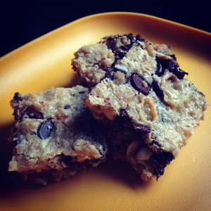 gooey oatmeal chocolate chip bars (compromise cookies)