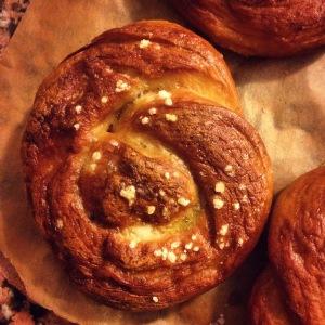cheddar & ale soft pretzels